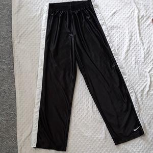 Vintage Nike snap side basketball pants Large L